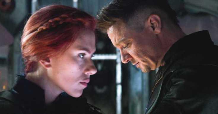 Avengers-Endgame-Jeremy-Renner-Scarlett-Johansson.jpg
