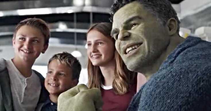 Avengers-Endgame-Professor-Hulk-Out-Clip.jpg